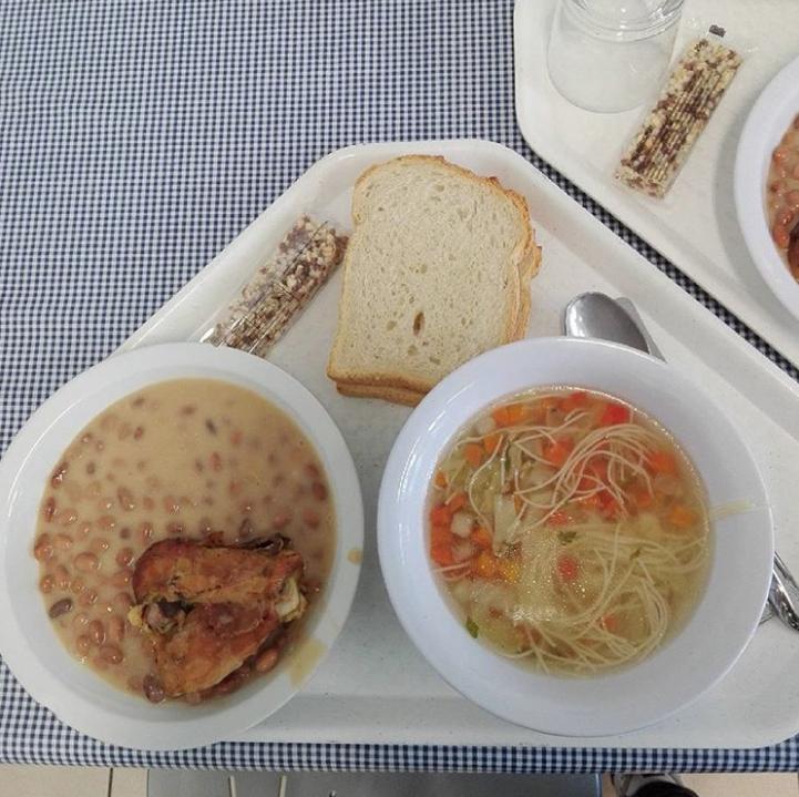 children's school lunch
